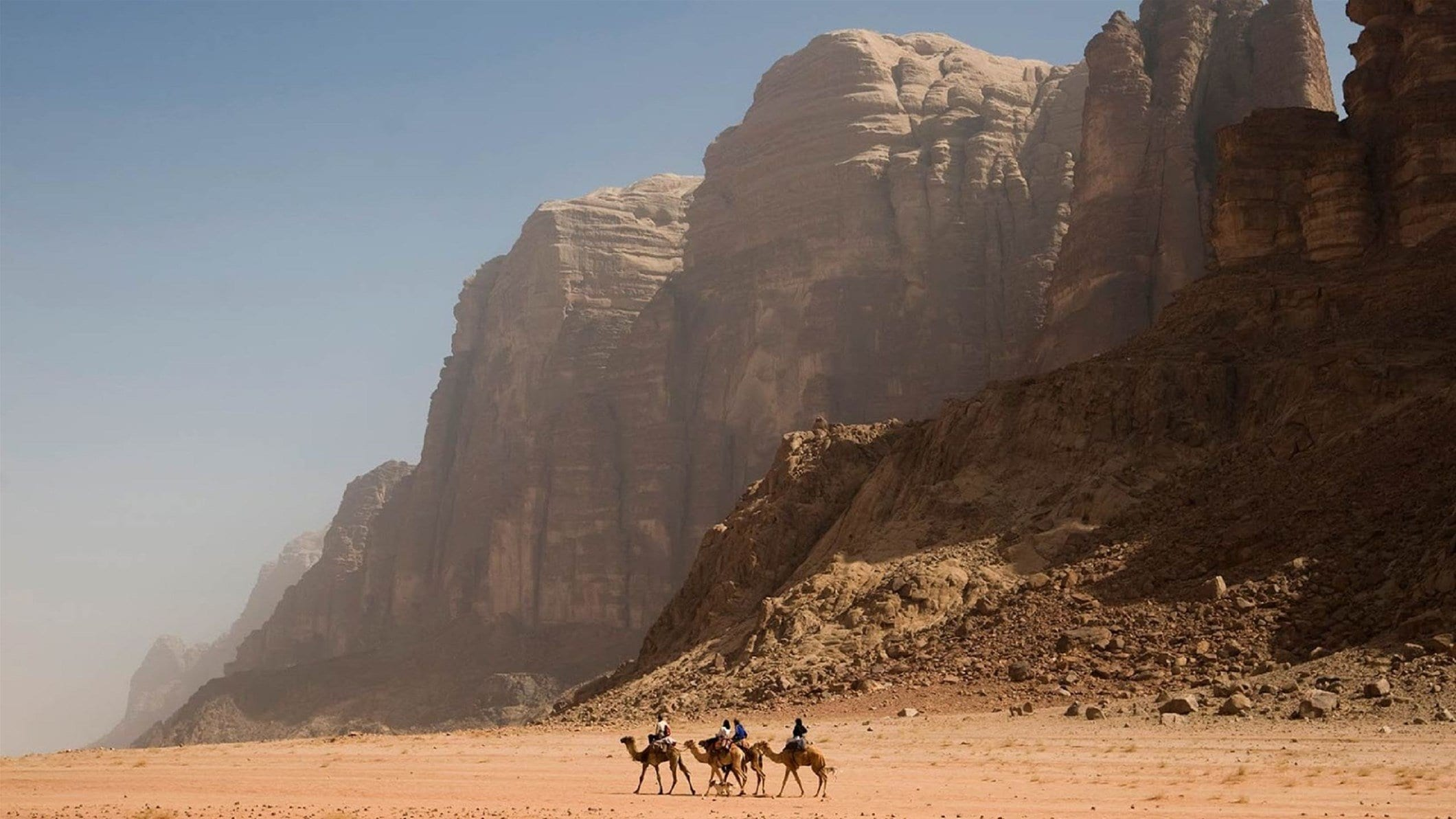 Wadi-Rum-taxidi-iordania-xeimvna