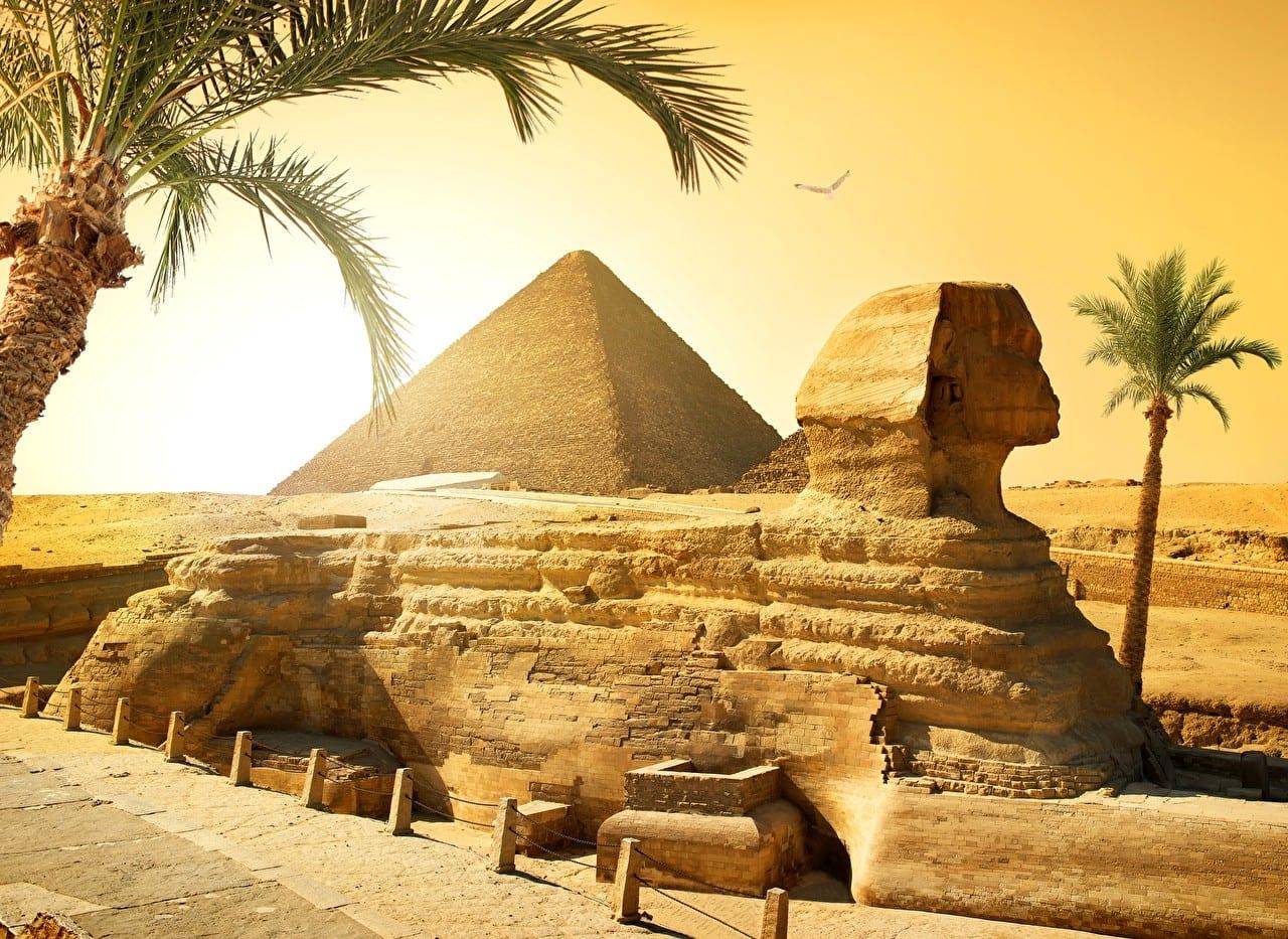 taxidi-aigypto-erhmo-pyramides